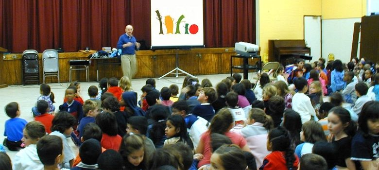 Award-winning filmmaker Ken Kimmelman conducts anti-prejudice workshop at a public school